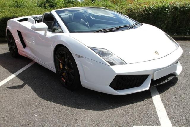Lamborghini Gallardo LP560 available for hire