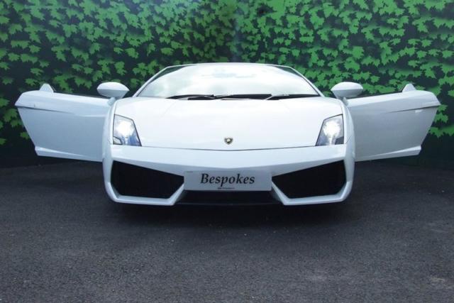 White Gallardo Spyder for UK Lamborghini Hire